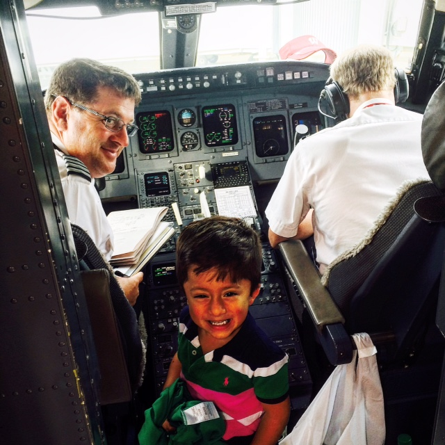 Hall of Fame 12) Xavier meeting the pilots on his trip of a lifetime